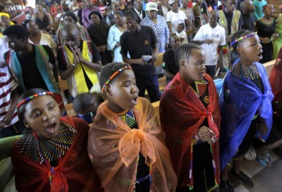 Worshippers in South Africa today Image: cnsnews.org