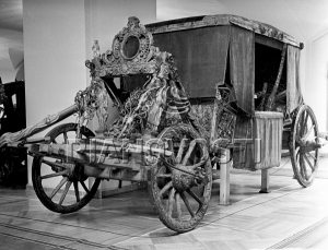 A 16th century coach showing where coachman and pillion would have sat. 16th century, English carriage © RIA Novosti